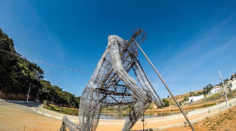 monumento gigante