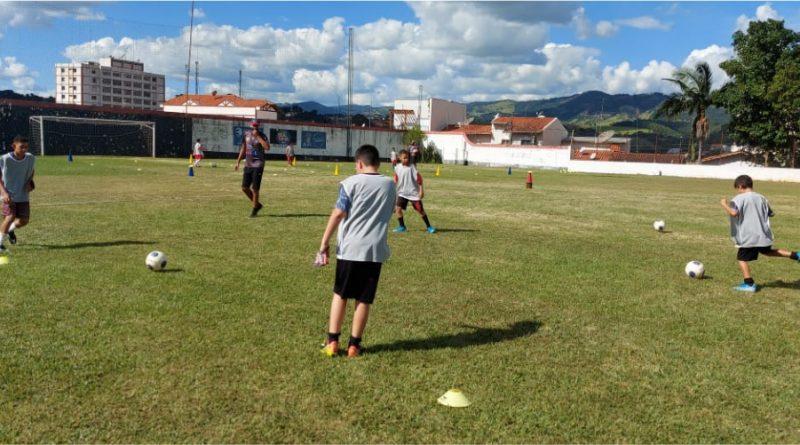 Escola de Futebol AS04
