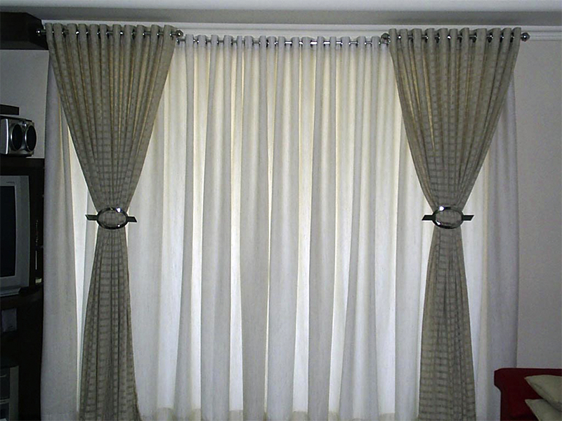 cortina-de-tecido-com-ilhos