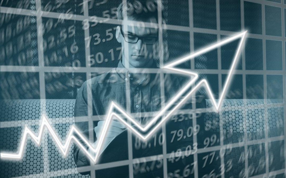Empreendedor fazendo gestão financeira do e-commerce